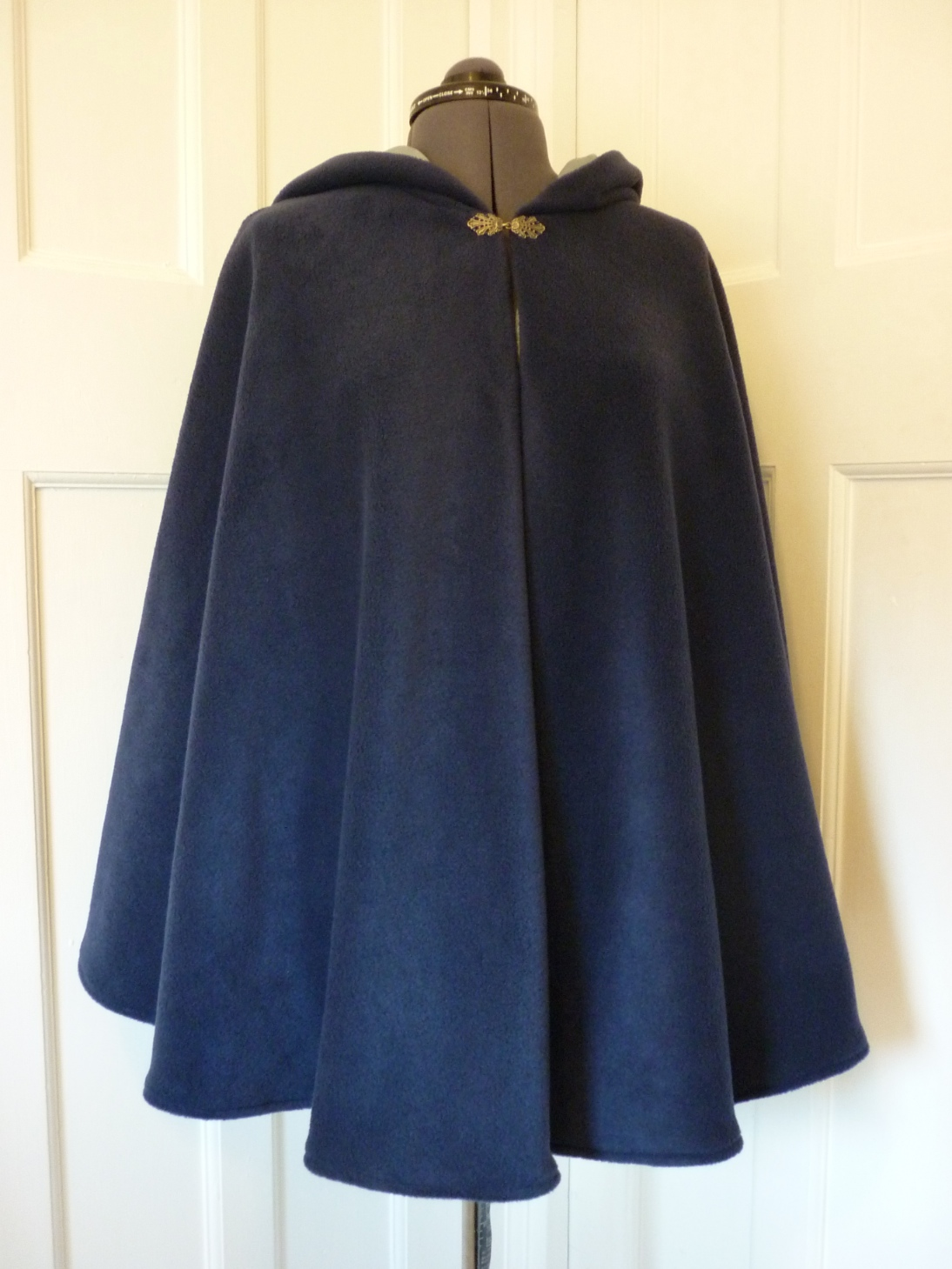 Cape with contrasting lining - round hood - choice of colours - made to order