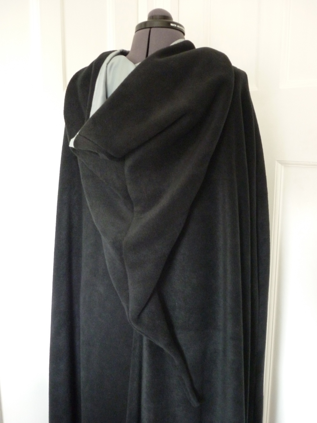 Full-length cloak with contrasting lining - pointed hood - choice of colours - made to order